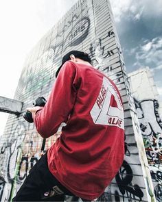 Mens Fashion – Designer Fashion Tips New Mens Fashion, Urban Fashion, Street Fashion, Street Outfit, Street Wear, Ripped Jeans Men, Mens Fall, Swagg, Streetwear Fashion