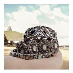 tá difícil escolher a mais linda!  www.milacoelho.com.br  #mixdepulseiras #mix #pulseirismo #pulseiras #pulseira #bracelet #braceletes #pulseiradodia #pulseiraslindas #milacoelho #acessórios #floripa #fashion #fashionjewelry