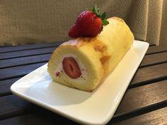 Strawberry cake roll http://jeanica168.pixnet.net/blog/post/347902330-%E6%97%A5%E5%BC%8F%E6%A3%89%E8%8A%B1%E8%9B%8B%E7%B3%95%E8%8D%89%E8%8E%93%E5%A5%B6%E5%87%8D%E5%8D%B7%E3%80%90%E6%8D%B2%E4%B8%8D%E8%A3%82%EF%BC%8C%E6%88%90%E5%8A%9F%E7%8E%87%E9%AB%98