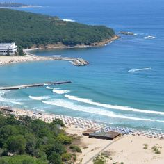 Genieße einen abwechslungsreichen Urlaub an der Bulgarischen Riviera. Relaxe am schönen Sandstrand und erfreue dich am wundervollen Ausblick aufs blaue …