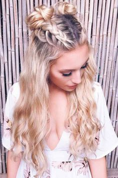 Best Hairstyles & Haircuts for Women in 2017 / 2018 : Bohemian hairstyles are wo.- Best Hairstyles & Haircuts for Women in 2017 / 2018 : Bohemian hairstyles are worth mastering because they are creative pretty and so- Hairstyles Haircuts, Summer Hairstyles, Wedding Hairstyles, Trendy Hairstyles, Festival Hairstyles, Hairdos, Hairstyles For Concerts, Long Haircuts, Holiday Hairstyles