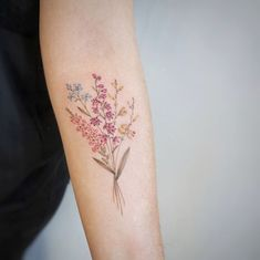 Floral bouquet by G.NO Sleeve Tattoos, Vine Tattoos, Leaf Tattoos, Forearm Tattoos, Cool Tattoos, Tatoos, Best Tattoo Ever, Piercing Tattoo, Piercings