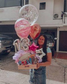 Best Friend Bday Gifts, Bestie Gifts, Birthday Cards For Friends, Diy Gifts For Friends, Diy Crafts For Gifts, Birthday Hampers, Birthday Box, Birthday Gifts, Balloon Arrangements