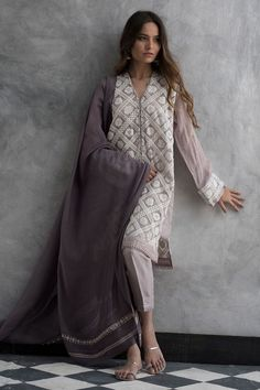 Latest Nida Azwer luxury pret traditional collection is helpful to enhance your beauty in the wedding of your beloved one. Pakistani Fashion Casual, Pakistani Dresses Casual, Pakistani Dress Design, Indian Dresses, Indian Fashion, Churidar, Anarkali, Lehenga, Indian Salwar Kameez