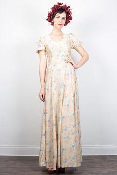 Vintage 70s Dress Maxi Dress Hippie Dress Cream Floral Print Boho Dress 1970s Dress Hippy Festival Dress Hippie Wedding Dress XS S Small by ShopTwitchVintage #1970s #70s #hippie #floral #wedding #dress #maxi #boho #bohemian #festival #etsy #vintage