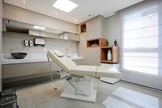 Inspirações - consultórios Fashion how to make an old fashioned Clinic Interior Design, Spa Interior, Clinic Design, Medical Office Design, Healthcare Design, Office Waiting Rooms, Cabinet Medical, Hospital Design, Treatment Rooms