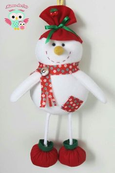 Boneco de Neve - Mimos da Cris Feltros Christmas Crafts, Christmas Decorations, Christmas Ornaments, Holiday Decor, Christmas Art, Snowman, Needlework, Cool Designs, Embroidery