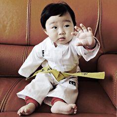 Taekwondo Baby Uniform 1st Birthday Anniversary TKD Suits Dobok Celebration Gift
