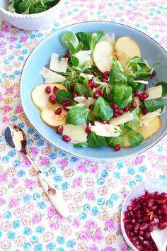 Pomegranate, Pecorino cheese and Lamb's lettuce Salad