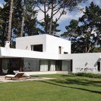 La Hilaria House in Punta del Este, Uruguay by RDR