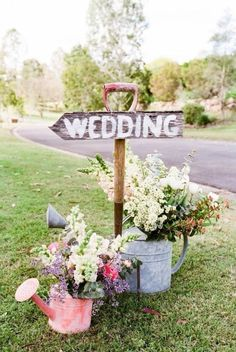 Our wedding topic today is rustic wedding signs.Why we use wedding signs in our weddings? Awesome wedding signs are great wedding decor for wedding ceremony and reception, at the same time, they will also serve many . Farm Wedding, Wedding Signs, Wedding Reception, Wedding Summer, Reception Table, Gold Wedding, Wedding Rustic, Trendy Wedding, Wedding Country