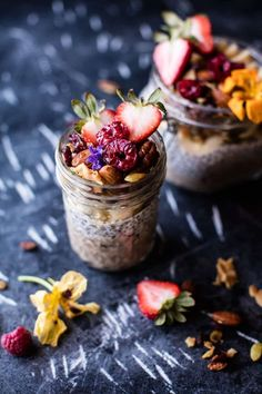Chia Pudding with Grain Free Granola. Try this delicious healthy treatChia Pudding with Grain Free Granola. Try this delicious healthy treat Chia Pudding with Grain Free Granola. Try this delicious healthy treat Recipes Using Bananas, Bowls, Grain Free Granola, Snack Recipes, Healthy Recipes, Baby Recipes, Half Baked Harvest, Chia Pudding, Pudding Recipe
