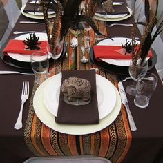 """Flo Jean 's african wedding decor table settings Photo. Pinned in """"Kwanzaa Karamu"""" . See the bigger picture! African Wedding Theme, African Theme, African Weddings, Nigerian Weddings, African Style, African Interior, African Home Decor, Traditional Wedding Decor, Traditional Cakes"""