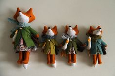Felted Foxes. You've got to have a look at this amazing crafter's work.