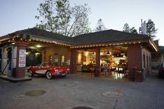 Kelly's Filling Station and Wine Shop, Yountville: See 3 reviews, articles, and 8 photos of Kelly's Filling Station and Wine Shop, ranked No.5 on TripAdvisor among 7 attractions in Yountville.