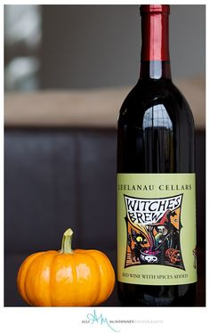 ONE week until Halloween...we're getting festive with #LeelanauCellars Witches Brew! #Halloween #PMS #trickortreat