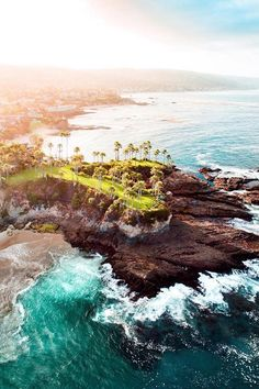 Laguna Beach, California | ( by Ryan Longnecker )