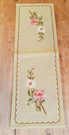 Beautiful 21 x 7 / floral / cross stitch / embroidered tablerunner / tablecloth in linen from Sweden Towel Embroidery, Embroidery Motifs, Learn Embroidery, Cross Stitch Embroidery, Cross Stitch Rose, Cross Stitch Borders, Counted Cross Stitch Patterns, Cross Stitches, Le Point