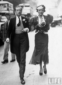 (Photographer) Cecil Beaton accompanying Frances (Doble) Lady Lindsay-Hogg (wife of Sir Anthony H. to the wedding of Lady Mary Hope to Lord Herbert, LIFE cover, Two Bright Young Things 1930s Fashion, Vintage Fashion, Flapper Fashion, Victorian Fashion, Fashion Fashion, Vintage Photographs, Vintage Photos, Sir Anthony, English Fashion