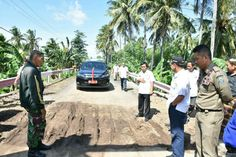 Tinjau Jembatan Punagayya, Iksan Salut Kesigapan Tim Siaga Bencana