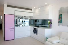 Small apartment kitchen by impala.....  #impalakitchens #wardrobes #renovators #makeovers #renovate_today #Sydney #theatreunit #otherjoinery #bathroomvanities #traditionalkitchens #hamptons_style_kitchen #studyjoinery #bathrooms