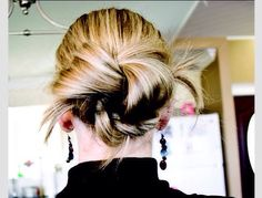The Knotted Bun  #Fashion #Beauty #Trusper #Tip