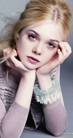EOA casting: potential Pica from Bourlémont. Damisel of Eleanor's court (Elle Fanning) Eleanor of Aquitaine : The Power -  www.eleanorofaquitaine.net