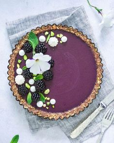 Vegan dark berries tart Starting the new week with a big smile on my face just because this tart is amazing And since you're also…