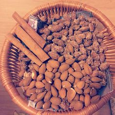 Sugar almond with cinnamon