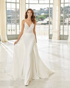 This gown will soon be in our boutique! We are in love with this Aire Barcelona gown 😍 How much of a stunner is she!? 🙌  . . . #bride #bridetobe #bride2be #weddingdaygoals #weddingday #happilyeverafter #forever #engaged #recentlyengaged #airebarcelona #weddinggown #whitedress #forever #frossbride #frossweddingcollections #love #weddingphotos #bridegoals #weddingday Wedding Dress Crafts, Pink Wedding Dresses, Wedding Gowns, Designer Gowns, Designer Wedding Dresses, Aire Barcelona Wedding Dresses, Romantic Weddings, Blue Weddings, Spring Weddings