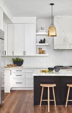Home Decor Kitchen, Kitchen Interior, New Kitchen, Home Kitchens, Custom Kitchens, White Kitchen Cabinets, Kitchen Tiles, White Tile Kitchen, White Tile Backsplash Kitchen