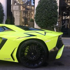 Just Everything Daily News Classy Issues Necessary Accessoires Clothing News Sneaker Releases Hypest Cars Food Coma House Inspos and a lot more pins to come! Car Food, Horse Carriage, Lamborghini Aventador, Bike, Cars, Vroom Vroom, Daily News, Sneaker, Clothing