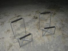 Ikea speaker stands - old crappy small folding ones - Photo275404