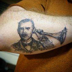 Die Idee für das Motiv wurde nach einem Postkartenbild ausgewählt. Das Tattoo wurde nur aus feinen Lininen und Punkten gestochen. Tattoo Studio, Portrait, Tattoos, Dyes, Photo Illustration, Tatuajes, Portrait Illustration, Japanese Tattoos, Tattoo