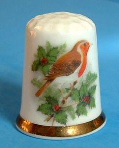 English Thimble Christmas Robin Bone China Holiday Bird 1980s Decorative