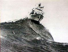 rough wave Sea Storm, Rough Seas, Stormy Sea, Waves, Tug Boats, Sail Away, Boat Design, Navy Ships, Submarines