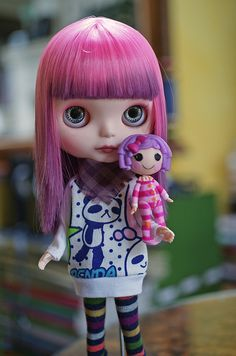 Meta-doll: lovely #Blythe #doll with her own mini-doll. Both have #Purple hair!