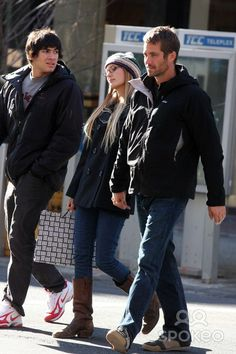 Paul & Jasmine out & about in Soho, NY Feb 2009 Paul Walker Family, Rip Paul Walker, Ocean Blue Eyes, Paul Walker Pictures, Most Beautiful Man, People Like, Good Movies, The Help, Bomber Jacket