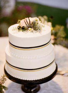 Photography: Brandon Chesbro, Wedding Photographer - brandonchesbro.com Day-Of Coordination: Sugar Pop Events - sugarpopevents.com   Read More on SMP: http://stylemepretty.com/vault/gallery/7502