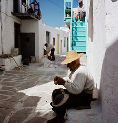 Paros Greece, Athens Greece, Greece Pictures, Paros Island, Vintage Pictures, Panama Hat, Architecture, Photography, Basketball Players