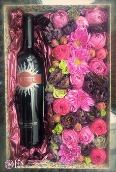 Flower and wine box/flower arrangement/present