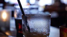 HEFTIG… Dit drankje schijnt net zo slecht te zijn als cocaïne!