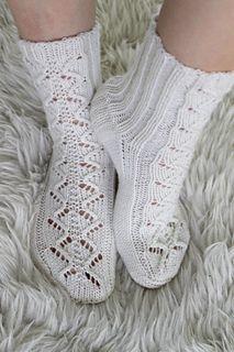 Knitting Pattern Name: Holey Butterflies Free Pattern in Finnish Niina Laitinen