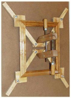 Self-Squaring Picture Frame Jig Torture device? Amazing way to save mysel. - Self-Squaring Picture Frame Jig Torture device? Amazing way to save myself waisted hours of - Woodworking Furniture, Woodworking Crafts, Diy Furniture, Woodworking Projects, Woodworking Classes, Woodworking Jigsaw, Woodworking Workshop, Youtube Woodworking, Popular Woodworking
