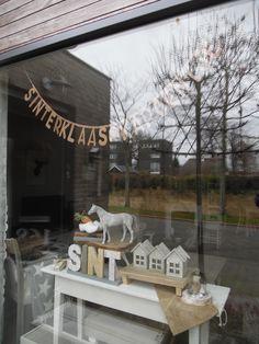 Christmas In Holland, Saints For Kids, December Holidays, Saint Nicholas, Winter House, Xmas Decorations, Winter Christmas, Home Decor Inspiration, Seasonal Decor
