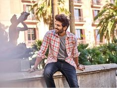 Kartik aaryan - Get the looks from the most stylish man in bollywood Best Fashion Instagram, Fashion Instagram Accounts, Instagram Posts, Celebrity Fashion Outfits, Celebrity Look, Bollywood Dress, Bollywood Stars, Indian Celebrities, Bollywood Celebrities