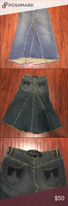 Free People skirt Gorgeous GREAT-condition denim skirt by Free People. Jeans Sz 28 (10 I think). Maxi length.  Packed away for a while now. Never going to fit in this, must sell. Free People Skirts Maxi