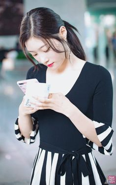 Chaeyeon - Jung Chae Yeon Former member of IOI Kpop Girl Groups, Korean Girl Groups, Kpop Girls, Nayeon, Jung Chaeyeon, Choi Yoojung, Kim Sejeong, Fashion Idol, Ioi