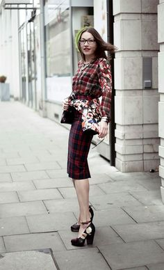 Xadrez com floral é tendência do inverno Lilian Pacce