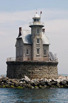 Race Rock Lighthouse - Imagine being a lighthouse keeper here. Haunted Places, Abandoned Places, Lighthouse Pictures, Lighthouse Keeper, Château Fort, Beacon Of Light, Architecture, Belle Photo, Places To Go